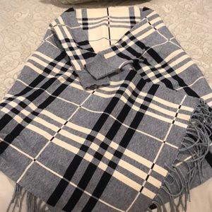 Plaid sweater shaul